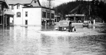 Cars Crossing the Road (1936 Flood)