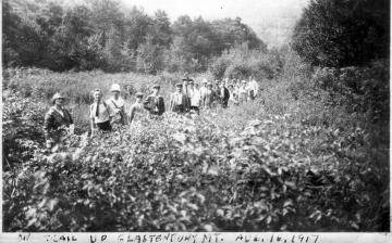 Large group hiking Glastenbury Mountain
