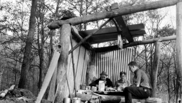 Break during the construction of Wyanoki hut