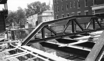 Construction on Langdon Street Bridge
