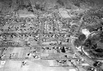 Aerial Shot of Bristol Village, looking east