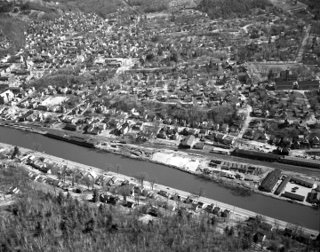 Aerial of Montpelier: Residential Area and River
