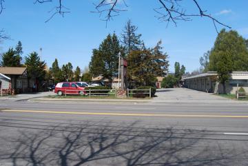 1272 Williston Road Swiss Host Motel